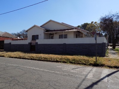 On Auction - 18 Bed Home On Auction in Jeppestown