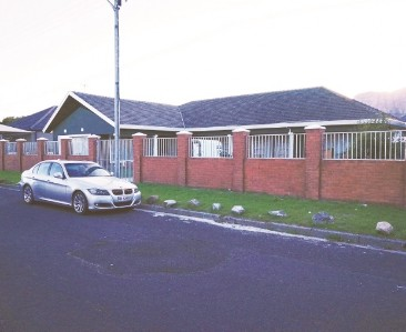 On Auction -  House On Auction in Lansdowne