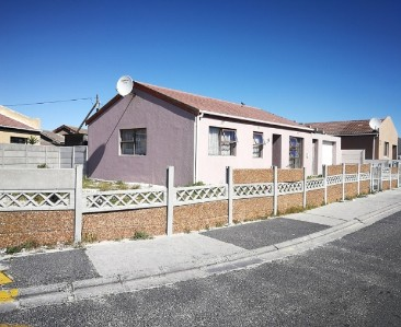 On Auction -  House On Auction in Strandfontein