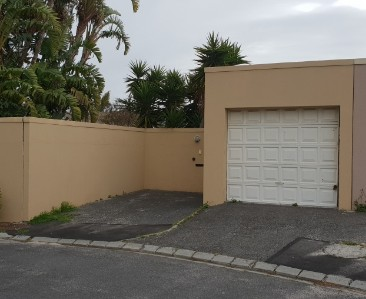 On Auction -  Home On Auction in Table View