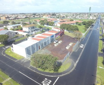 On Auction -  Commercial Property On Auction in Grassy Park