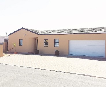 On Auction -  Home On Auction in Blouberg Sands