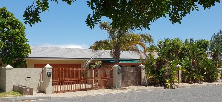 On Auction -  House On Auction in Parow Central