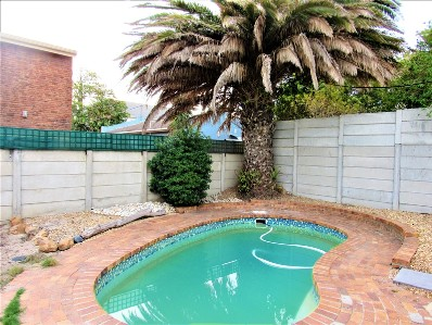 On Auction -  Flat On Auction in Blouberg