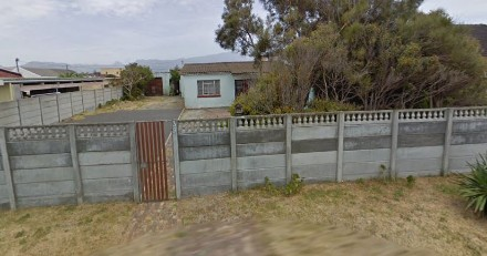 On Auction -  House On Auction in Grassy Park