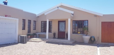R 2,300,000 -  Property For Sale in Bothasig
