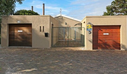 On Auction -  House On Auction in Pinelands