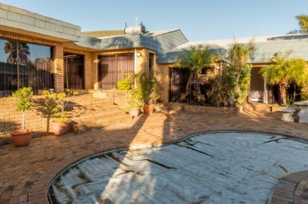On Auction -  House On Auction in Plattekloof