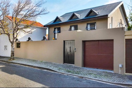 On Auction -  Home On Auction in Vredehoek