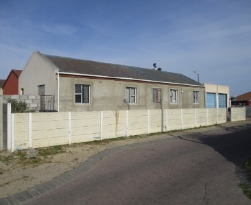 On Auction -  House On Auction in Blue Downs