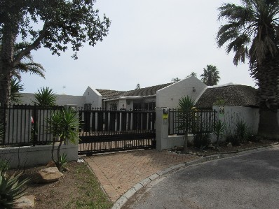 On Auction -  Home On Auction in Edgemead