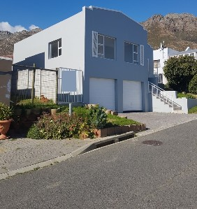 On Auction -  House On Auction in Gordon's Bay