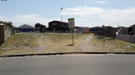 On Auction -  Land On Auction in Newfields