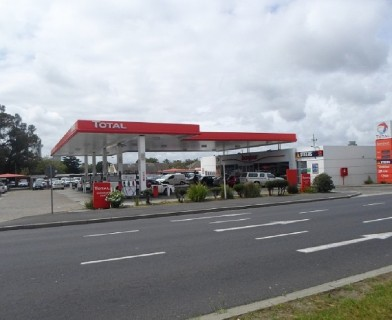 On Auction -  Commercial Property On Auction in Stikland