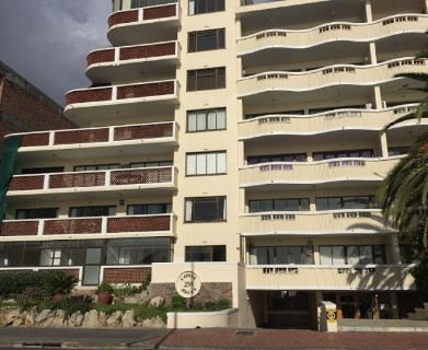 On Auction -  Flat On Auction in Sea Point