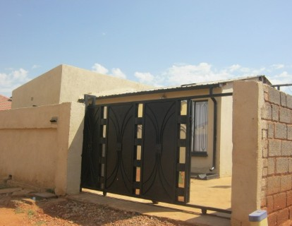 On Auction -  Property On Auction in Roodekop