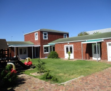 On Auction -  House On Auction in Bloubergrant