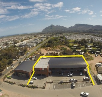 On Auction -  Commercial Property On Auction in Noordhoek