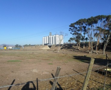 On Auction -  Commercial Property On Auction in Klipheuwel