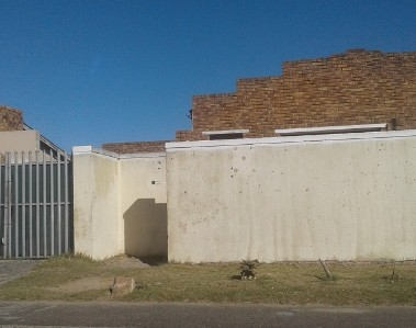 On Auction -  Home On Auction in Retreat
