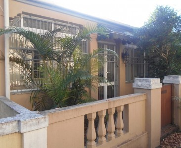 On Auction -  Flat On Auction in Rosebank