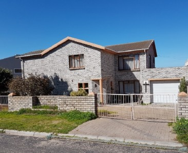 On Auction -  House On Auction in Saldanha