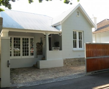 On Auction -  House On Auction in Gardens
