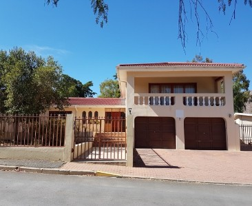 On Auction -  Property On Auction in De Doorns