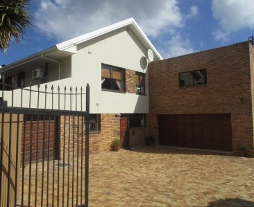 On Auction -  House On Auction in Higgovale