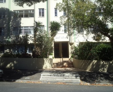 On Auction -  Flat On Auction in Fresnaye