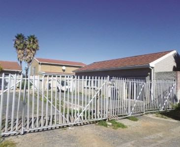 On Auction -  Commercial Property On Auction in Somerset West Central