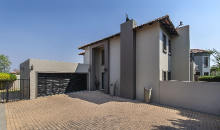On Auction - 3 Bed Home On Auction in Greenstone Hill