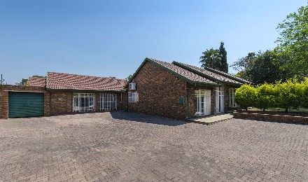 On Auction - 11 Bed Property On Auction in Edenvale