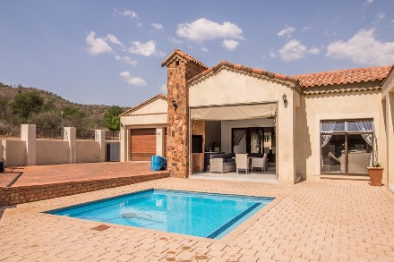 On Auction - 3 Bed Property On Auction in Estate d Afrique