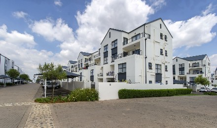 On Auction - 3 Bed House On Auction in Greenstone Hill