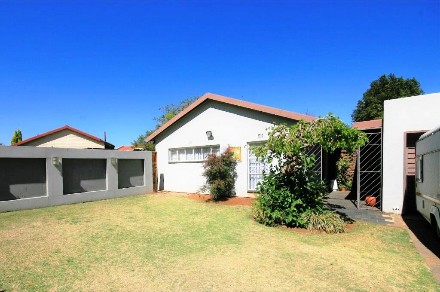 On Auction - 4 Bed Property On Auction in Alberton