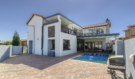 On Auction - 4 Bed Home On Auction in Greenstone Hill