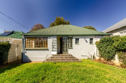 On Auction - 3 Bed Home On Auction in Kensington