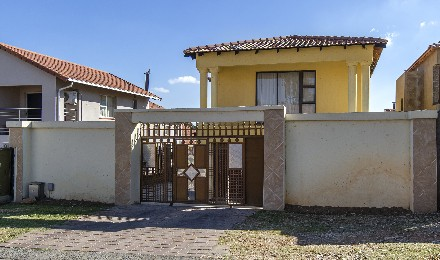 On Auction - 4 Bed Home On Auction in Ormonde