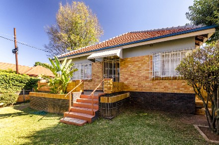 On Auction - 3 Bed House On Auction in Orange Grove