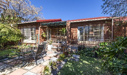 On Auction - 3 Bed Property On Auction in Corlett Gardens