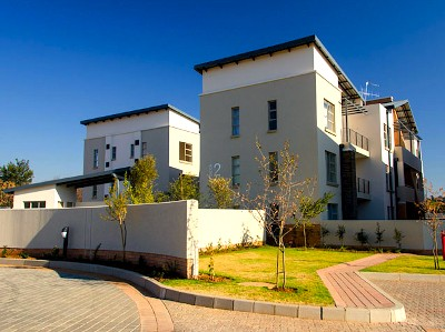 On Auction - 2 Bed Flat On Auction in Lonehill