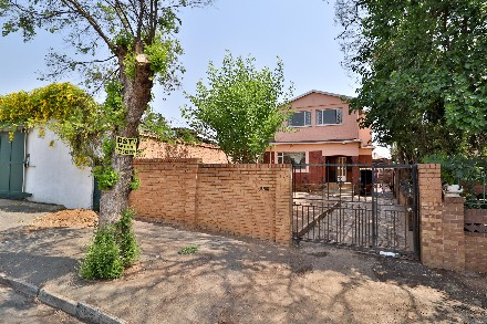 On Auction - 4 Bed Property On Auction in Rosettenville