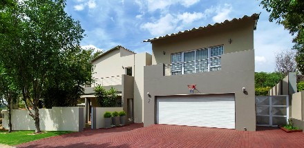 On Auction - 4 Bed House On Auction in Greenstone Hill