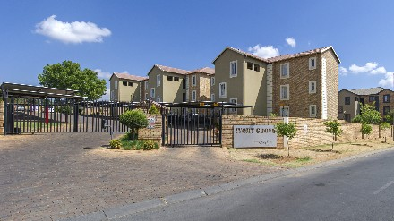 R 770,000 - 3 Bed Apartment For Sale in North Riding