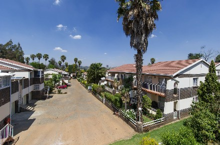 R 1,250,000 - 2 Bed Property For Sale in Bruma
