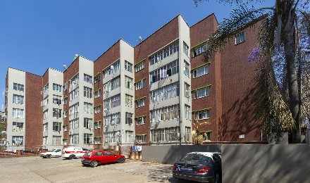 On Auction - 2 Bed Flat On Auction in Pretoria - Central