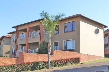 On Auction - 2 Bed House On Auction in Glenvista