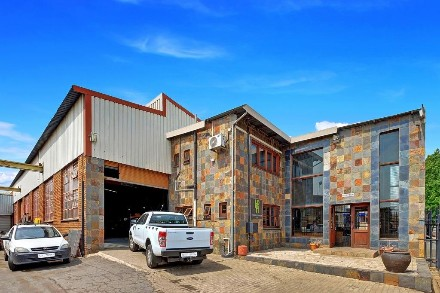 R 5,500,000 -  Property For Sale in Anderbolt