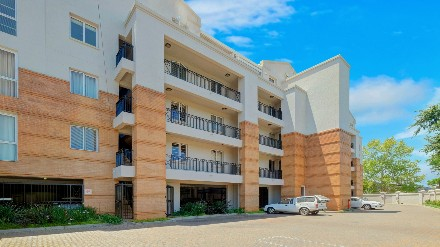 R 2,700,000 - 2 Bed Apartment For Sale in Elton Hill